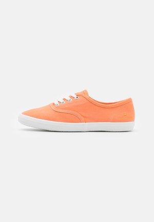 Sneakers laag - salmon