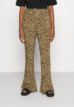 DIANA LEOPARD PANTS - Bukse - brown
