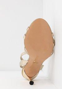 River Island Wide Fit - Højhælede sandaletter / Højhælede sandaler - gold - 6
