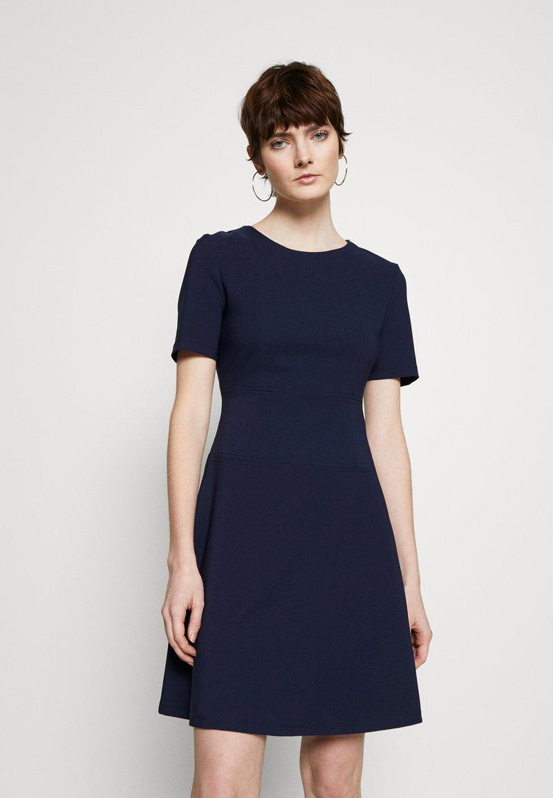 HUGO - NAREI - Jerseykjole - open blue