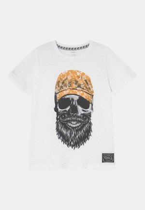 NKMKSOYTAN - Print T-shirt - bright white