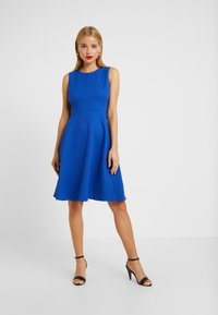 Lauren Ralph Lauren Petite - CHARLEY SLEEVELESS DAY DRESS E - Jerseyklänning - french blue - 0