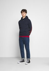Abercrombie & Fitch - EXPLODED LOGO - Sweatshirt - navy - 1