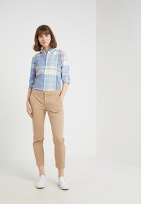 Lauren Ralph Lauren - LYCETTE PANT - Trousers - birch tan - 1