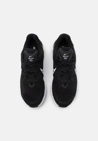 Nike Performance - RENEW RUN 2 GS - Neutral running shoes - black/white/dark smoke grey - 3