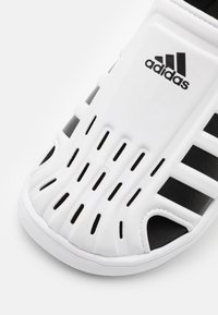 adidas Performance - WATER UNISEX - Sandály do bazénu - footwear white/core black - 5