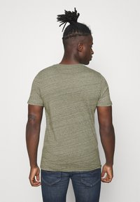 Jack & Jones - Basic T-shirt - dusty olive - 2