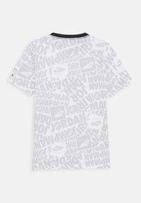 Jordan - JUMPMAN BY SPLASH TEE UNISEX - Print T-shirt - white - 1