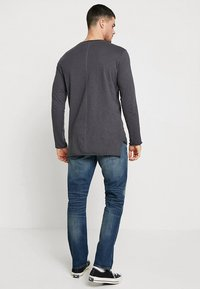 G-Star - 3301 STRAIGHT - Džíny Straight Fit - higa stretch denim - medium aged - 2