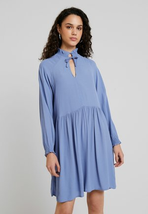 SAGA DRESS - Kjole - blue