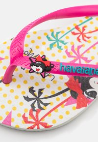 Havaianas - DISNEY COOL - T-bar sandals - white/pink flux - 5