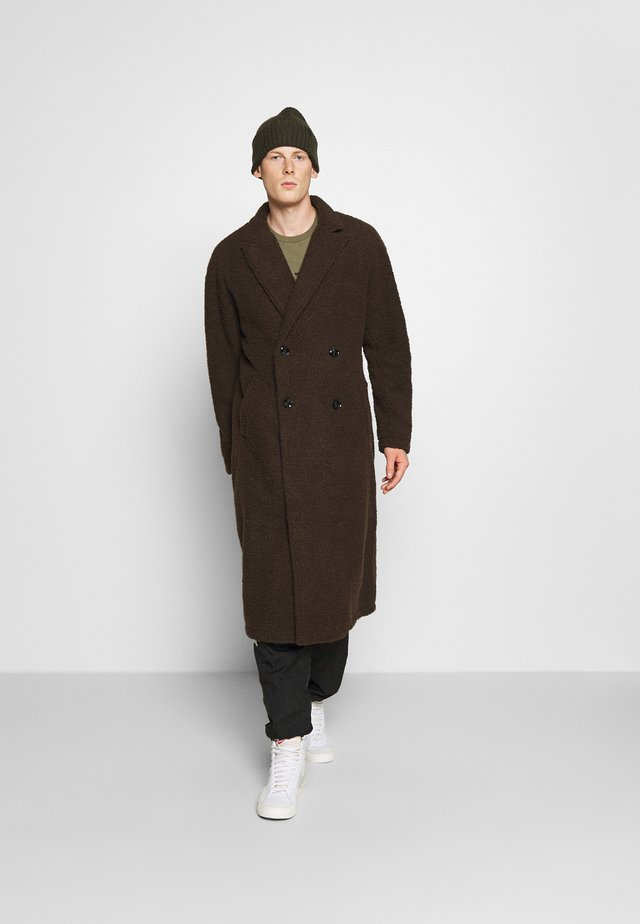 ARIES BORG LONGLINE OVERCOAT - Kåpe / frakk - brown