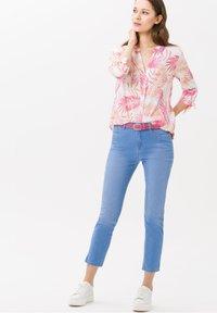 BRAX - STYLE MARY  - Straight leg jeans - used fresh blue - 1