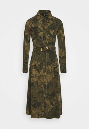 VEST MONTSE - Korte jurk - verde militar