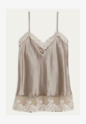 PRETTY FLOWERS - Pyjama top - powder beige cream white