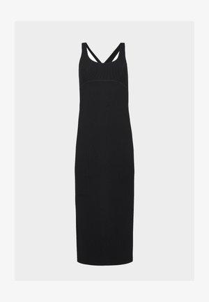 SWEATY BETTY X HALLE BERRY EMILY STRAPPY BACK DRESS - Robe en jersey - black