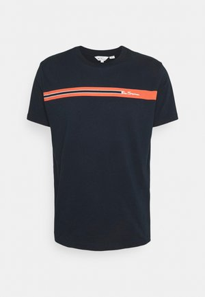 CHEST STRIPE TEE - Print T-shirt - dark navy
