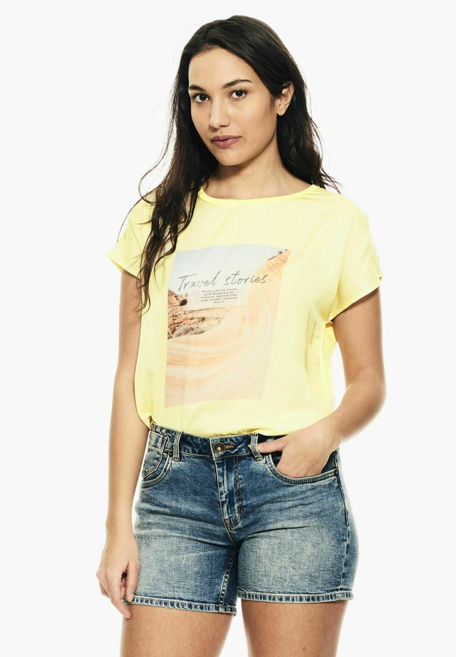 T-shirt print - buttercup