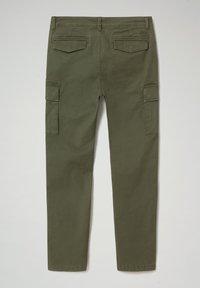 Napapijri - MOTO WINT - Cargo trousers - green depths - 7