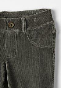 Benetton - TROUSERS - Kalhoty - khaki - 3