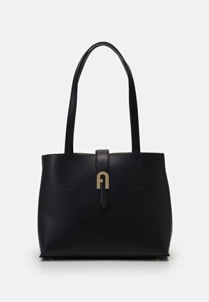 SOFIA  TOTE - Håndtasker - nero