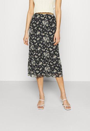 Mesh midi skirt with lettuce hem - Falda acampanada - black