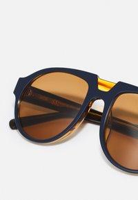 MCM - UNISEX - Sunglasses - blue/amber - 4