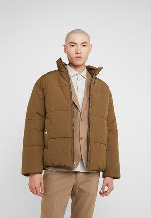 PUFFER COAT - Zimní bunda - tobacco