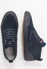 Tommy Hilfiger - CORE CORPORATE WINTER CHUKKA - High-top trainers - blue - 1