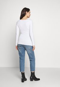 Balloon - RUSHED BASIC WITH LONG SLEEVES - Maglietta a manica lunga - white - 2