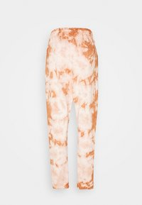 Missguided - TIE DYE JOGGERS - Tracksuit bottoms - brown - 1