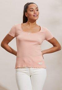 Odd Molly - MAGDA - Basic T-shirt - pink conch - 4