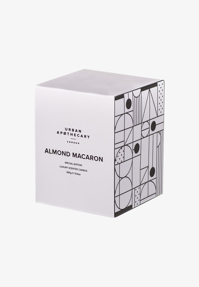 LUXURY SPECIAL EDITION CANDLE - Duftlys - allmond macaron