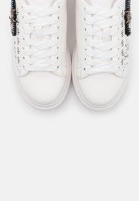 KHARISMA - Zapatillas - soft bianco/ape - 5