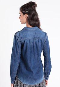 BONOBO Jeans - Camisa - denim stone - 2