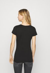 Tommy Jeans - ESSENTIAL LOGO TEE - T-shirt con stampa - black - 2