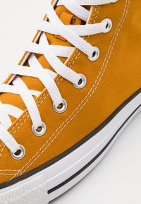 Converse - CHUCK TAYLOR ALL STAR - High-top trainers - saffron yellow - 5