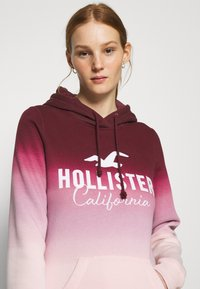 Hollister Co. - TECH CORE  - Mikina - red ombre - 3