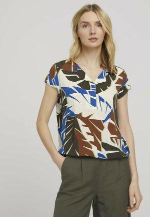 WITH FEMININE NECKLINE - Blouse - multicolor botanical design
