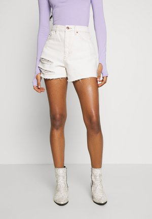 MOM SLASH  - Jeans Short / cowboy shorts - white