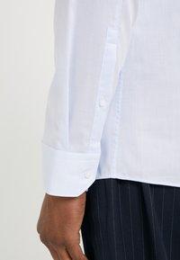 HUGO - ELISHA - Formální košile - light/pastel blue - 6