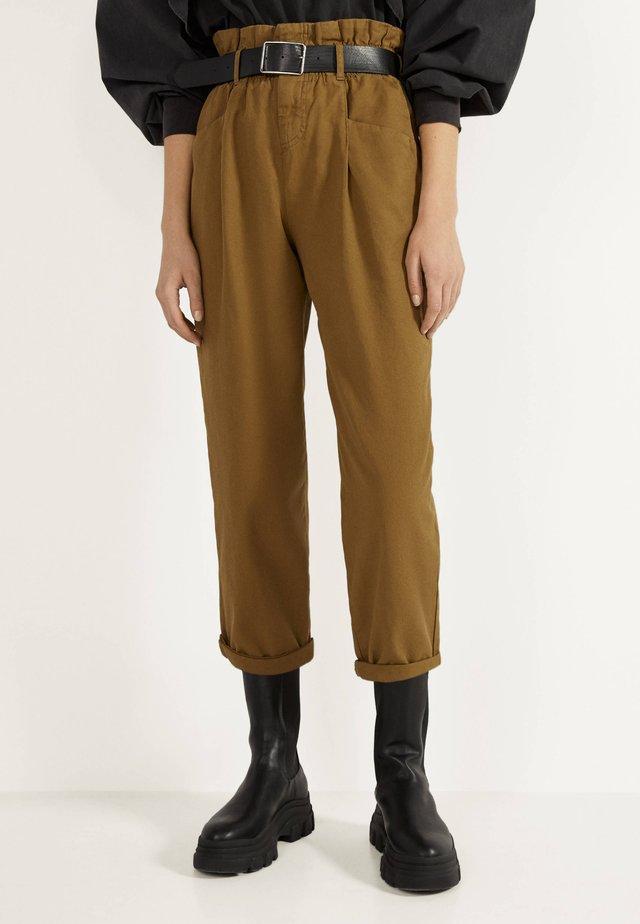 PAPERBAG - Pantaloni - green