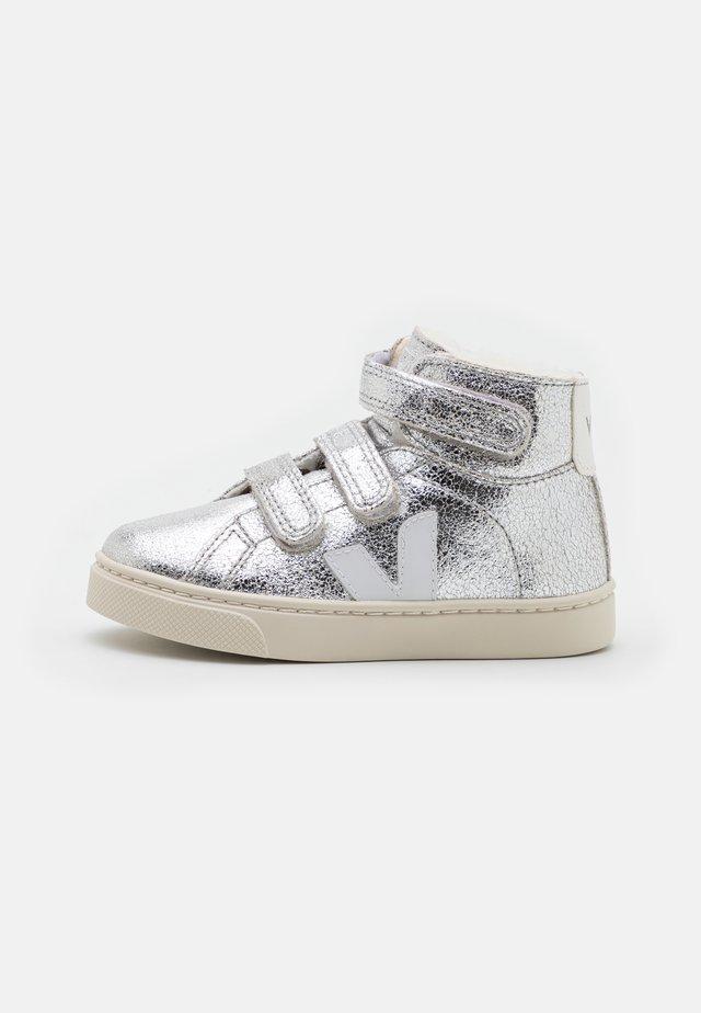 SMALL ESPLAR MID  - Vysoké tenisky - silver/white