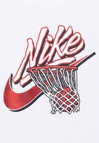 Nike Performance - DRY TEE - Print T-shirt - white - 6
