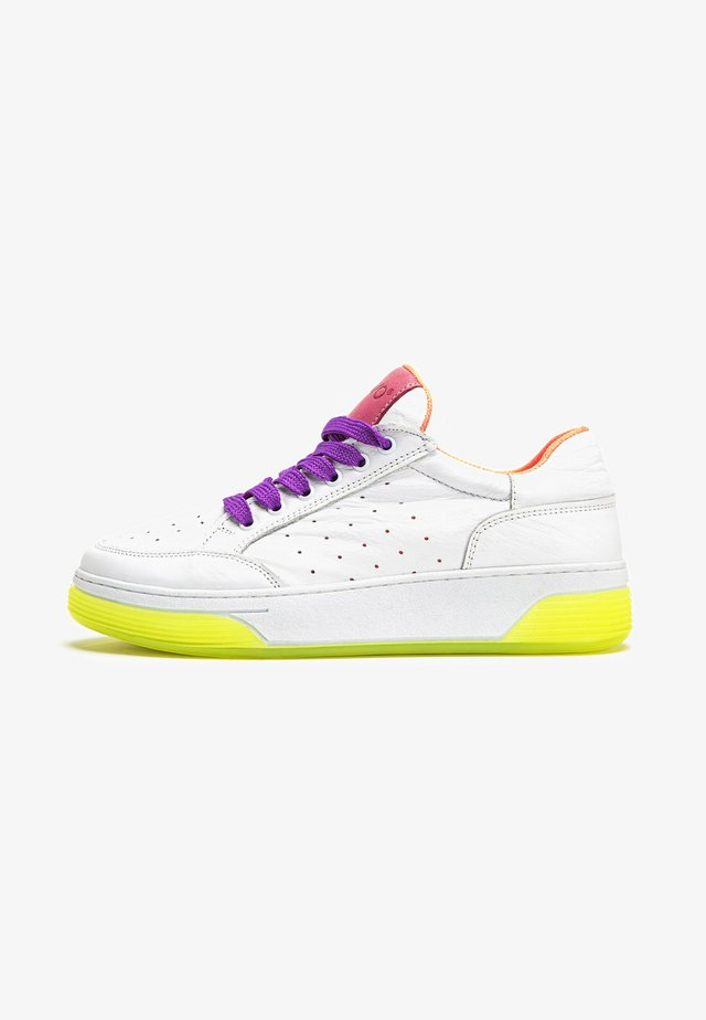 Sneakers laag - rose purple