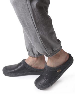 NORDI - Chaussons - negre