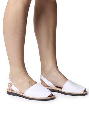 MAO-P - Sandalias - white