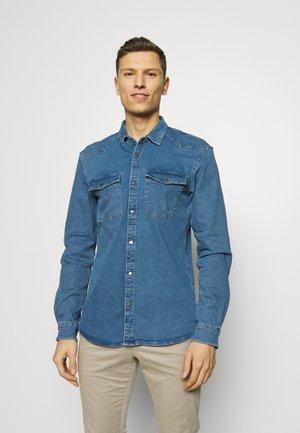 Shirt - mid stone blue