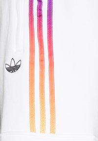 adidas Originals - Shortsit - white/multicolor - 6
