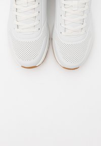 Skechers Sport - UNO - Sneaker low - white/navy/red - 4